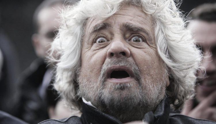 """Grillo e il """"blog a sua insaputa"""""""
