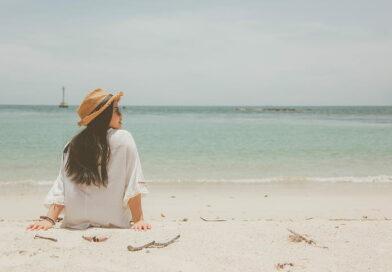 beach-hat-ocean-relaxation